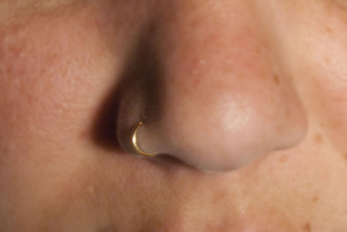 Nose Ring Cuff (gold) Body Jewelry - No piercing required